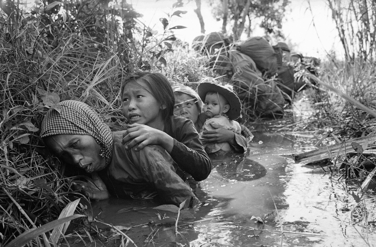 an analysis of the my lai massacre in my own recreation of the vietnam war The vietnam war was the prolonged struggle between nationalist forces attempting to unify the country of vietnam under a communist government and the united states (with the aid of the south vietnamese) attempting to prevent the spread of communism engaged.
